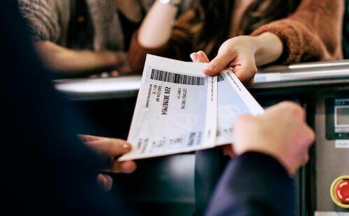 Как вернуть или обменять авиабилет на рейс компании Победа